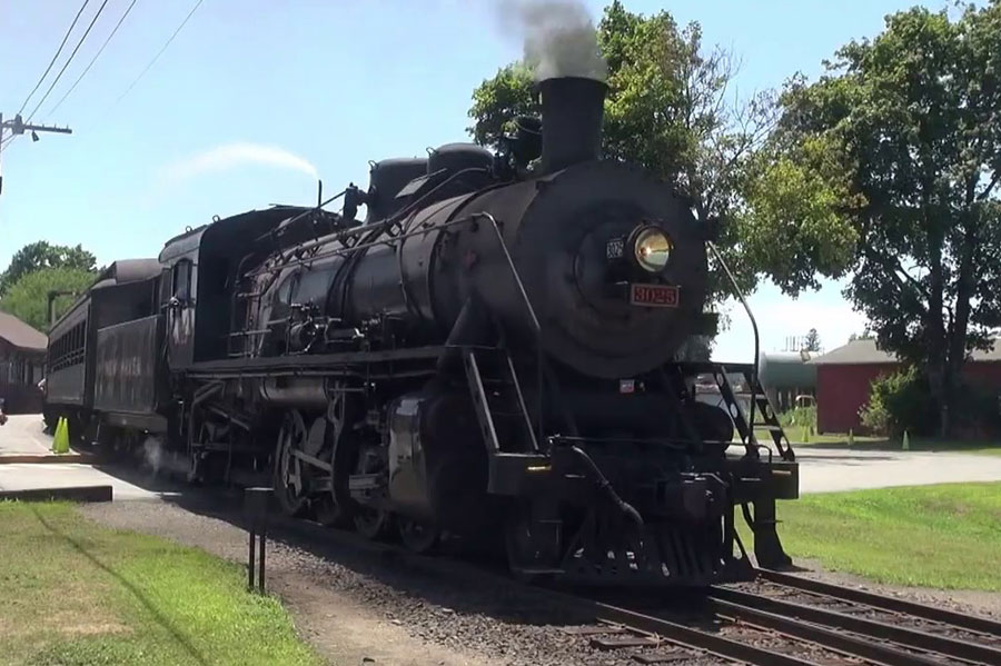 Essex Steam Train Issues Cautionary Reminder on Safety at Railroad Crossings